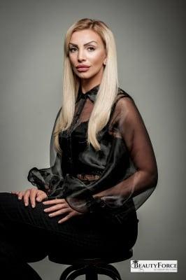 Ренета Младенова - преподавател по фризьорство в BeautyForce Academy Bulgaria