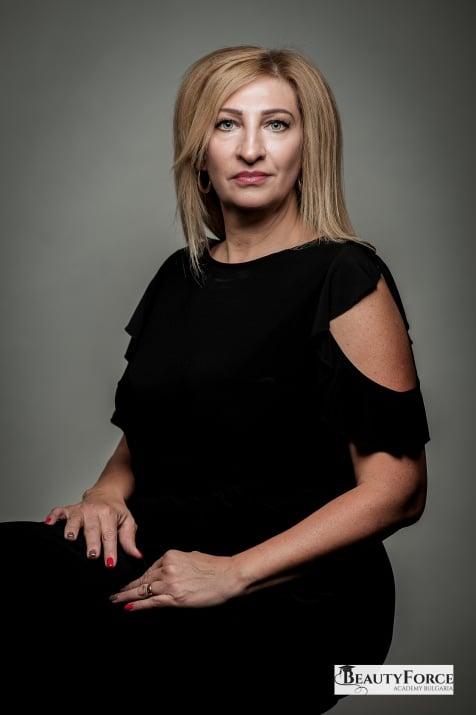 Галя Брезова - преподавател по практика козметика в BeautyForce Academy Bulgaria