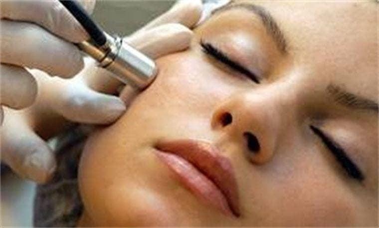Модулно обучение за работа с диамантено микродермабразио за козметици